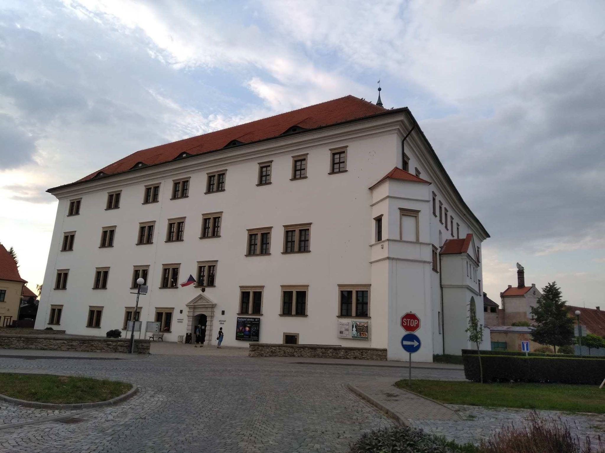Zámek v Uherském Ostrohu