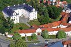 Nové stromy budou vysazeny i kolem zámku ve Vizovicích