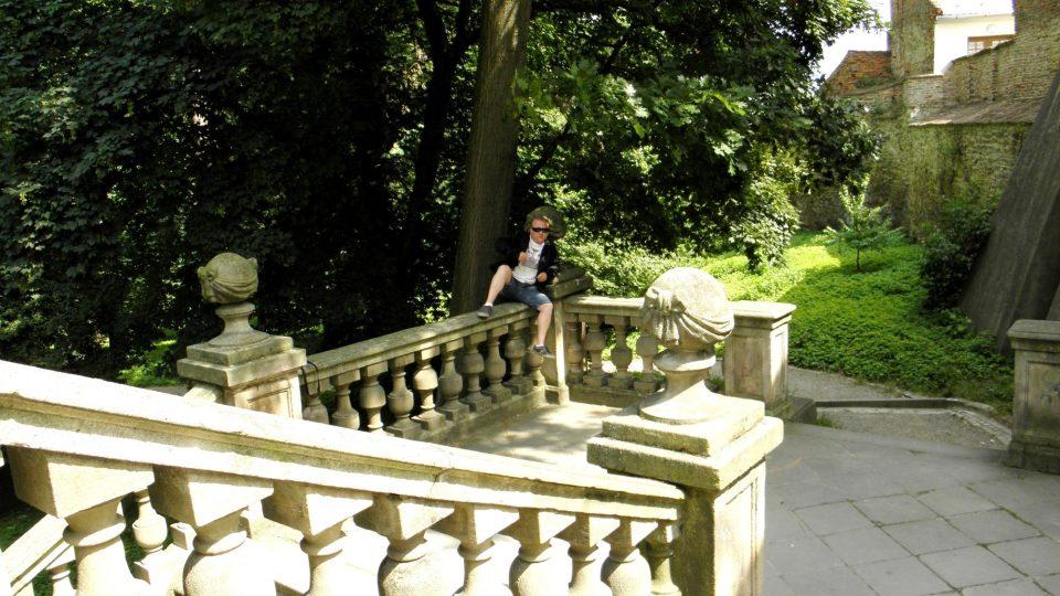 Aleš Spurný na schodišti
