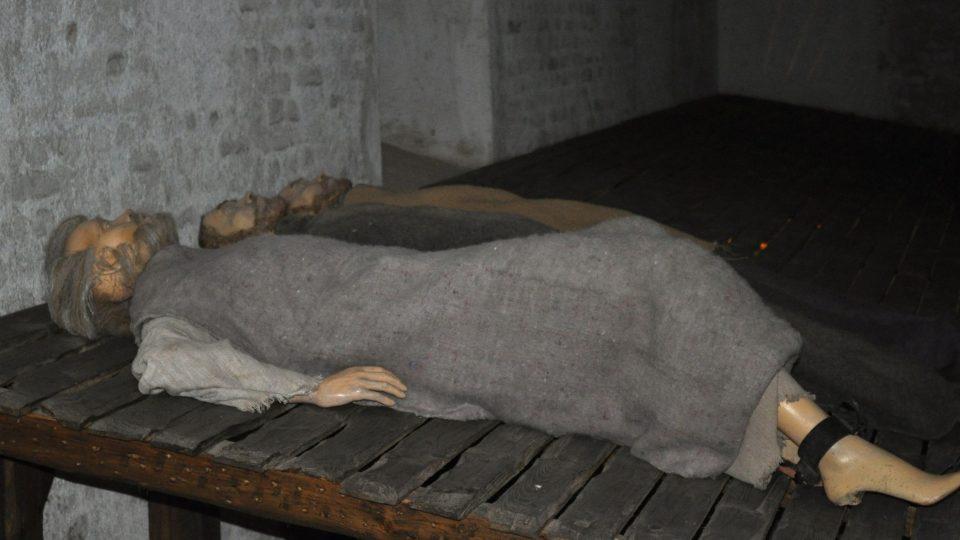 Některé cely sloužily až pro padesátku vězněných