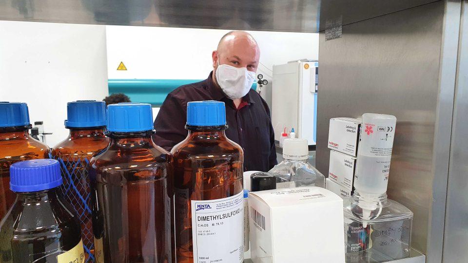 Profesor Petr Humpolíček z Centra polymerních systémů Univerzity Tomáše Bati ve Zlíně