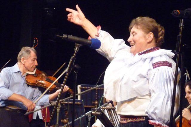 Vlasta Grycová si zazpívala s BROLNem a také s bývalými muzikanty z  BROLNu, kteří zahráli pod vedením Jana Kružíka