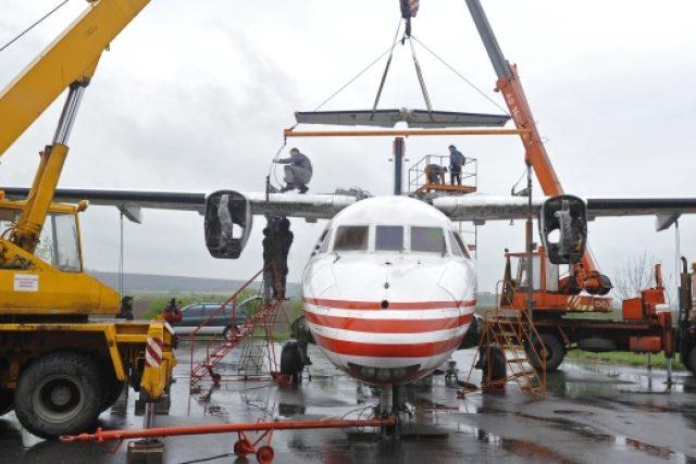 Příprava na transport letounu L - 610 M