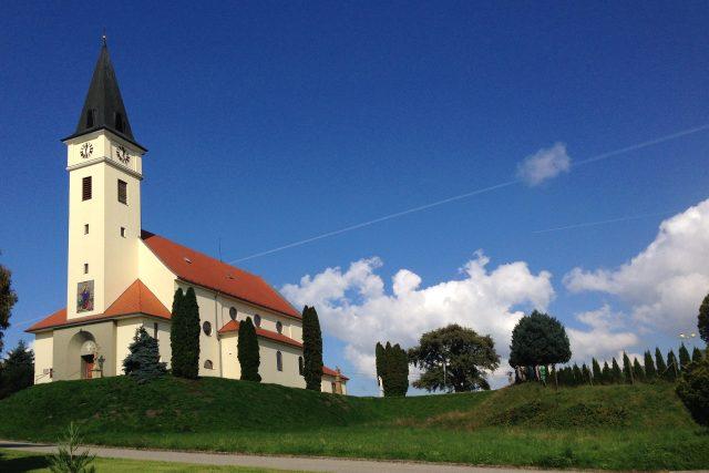 Kostel v Prakšicích