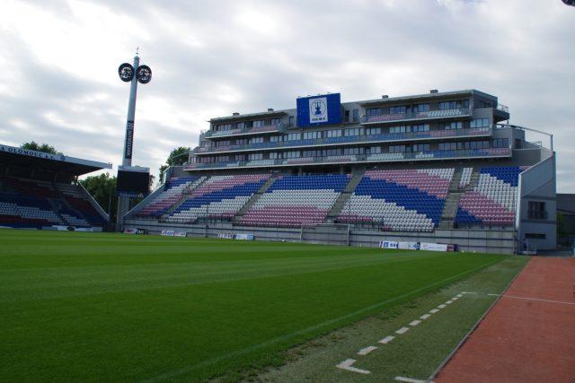 Andrův stadion má kapacitu 12 500 diváků