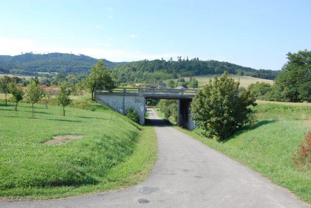 Moderní spojnice měla vést nejen mezi Brnem a Zlínem, ale propojit měla celou tehdejší republiku od východu na západ