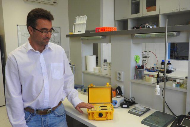 Chemik Petr Kubáň stál u zrodu přístroje, který za pár minut odhalí metanol v krvi.