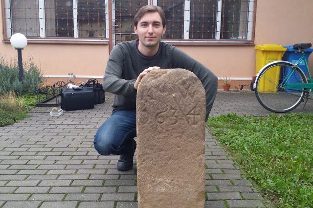 Tomáš Pjevič našel hraničník,který dělil Buchlovské a Velehradské panství.