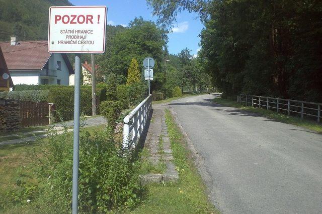 Česko-slovenská hranice, která přechází obcí Sidonie