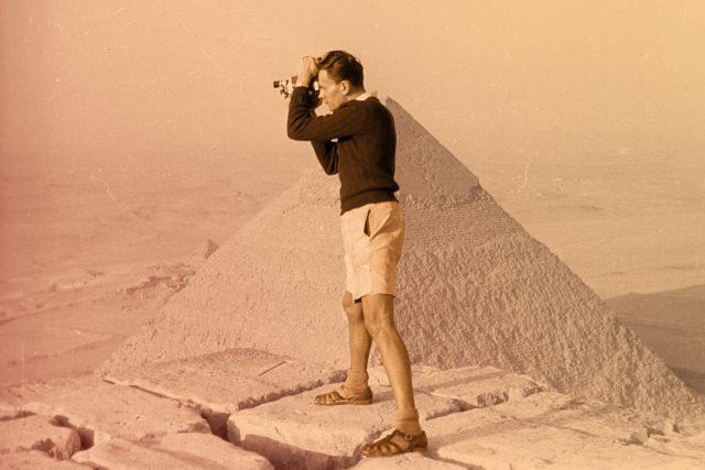 Miroslav Zikmund u egyptských pyramid