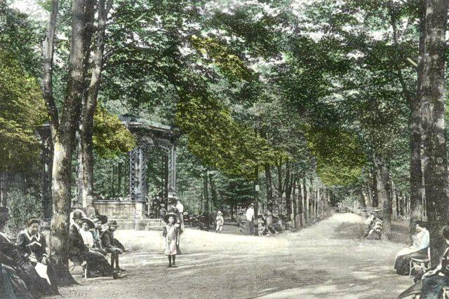 Rožnov pod Radhoštěm, historické foto - lázně, alej