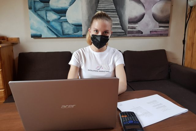 Dominika Weyrová i přes ztrátu paměti dopisuje na VUT diplomovou práci | foto: Ivana Chatrná,  Český rozhlas