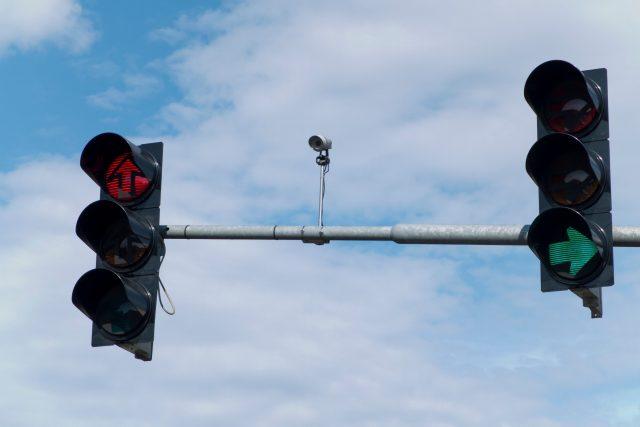 Semafor a inteligentní naváděcí systém,  kamera,  doprava,  křižovatka. Ilustrační foto   foto: Fotobanka Profimedia