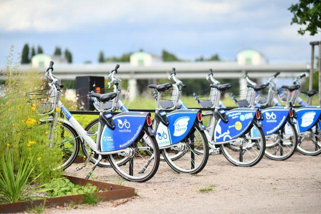 Sdílená kola nextbike v Pardubicích parkují na 35 místech. Například u zdymadla