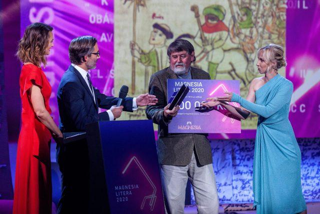Předávání cen Magnesia Litera 2020, Petr Čornej získal Literu v kategorii kniha roku a naučná literatura