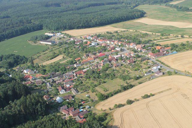 Obec Karlovice na Zlínsku, letecký pohled