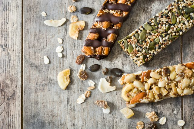 Müsli tyčinky,  zdravá výživa,  oříšky,  ovesné vločky,  ilustrační foto   foto: Fotobanka Profimedia