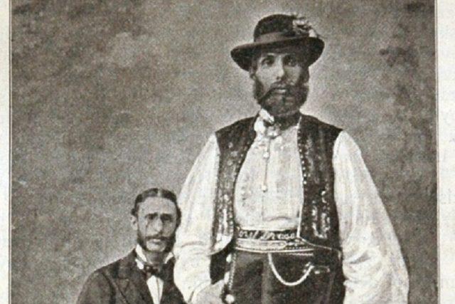 Drásal Josef v pozdějších letech,  s hostinským Janochem | foto: Městské muzeum a galerie Holešov