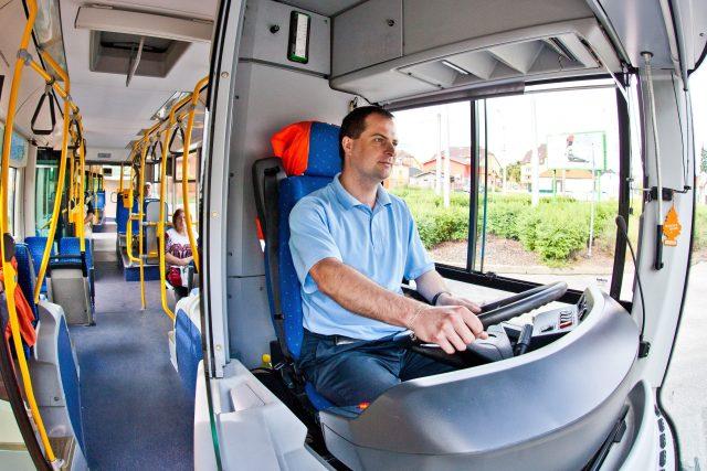 MHD, městská hromadná doprava, České Budějovice, řidič autobusu. Ilustrační foto