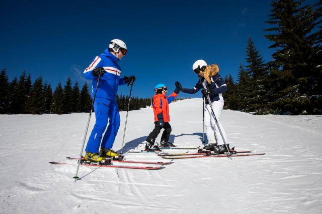 Lyžování je oblíbeným zimním sportem | foto: Skiareál Špindlerův Mlýn