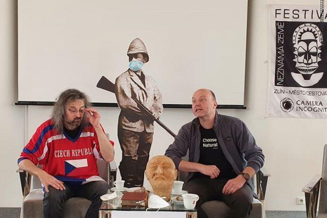 Miroslav Náplava s Petr Horký na tiskové konferenci k 25. ročníku festivalu Neznámá země