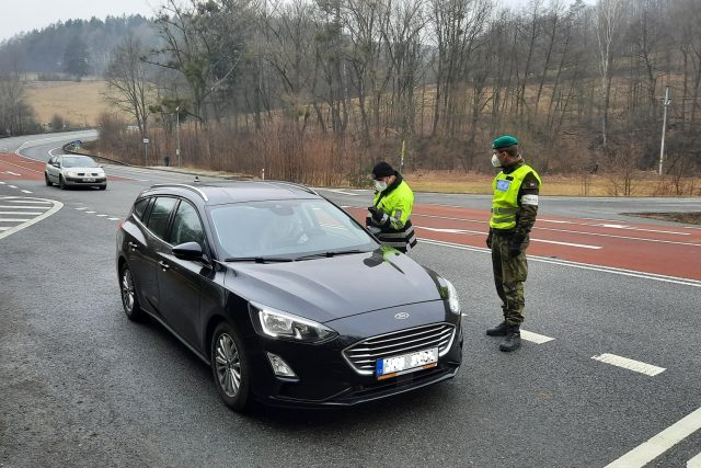 Policie, kontroly přejezdů mezi okresy, Buchlovské hory