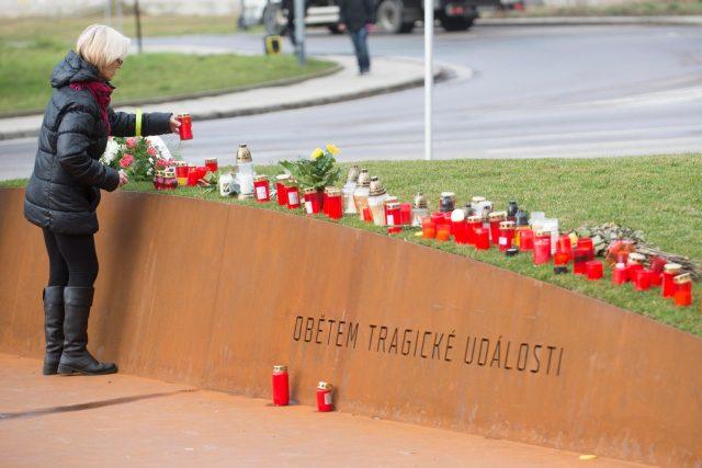 Památník obětem střelby v Uherském Brodě z roku 2015
