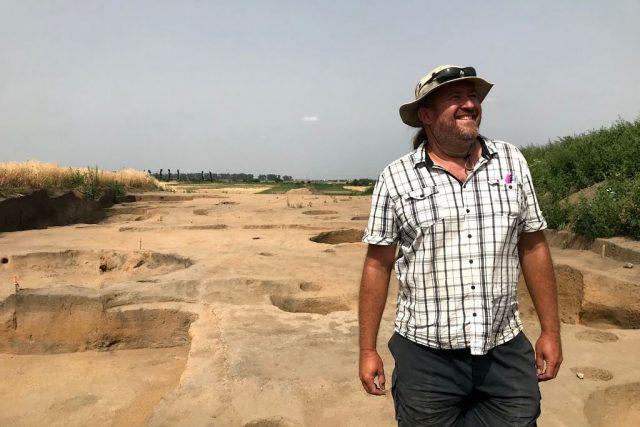 Archeologické léto 2021 v Polešovicích,  archeolog Marek Lečbych | foto: Petra Kopásková,  Český rozhlas,  Český rozhlas