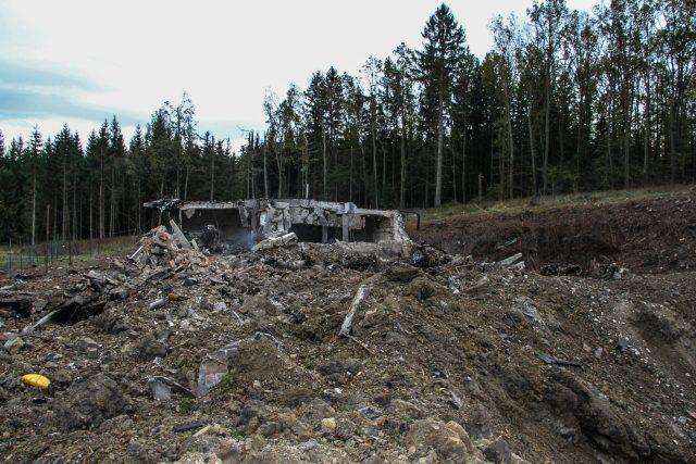 Zničený muniční sklad ve Vrběticích na Zlínsku